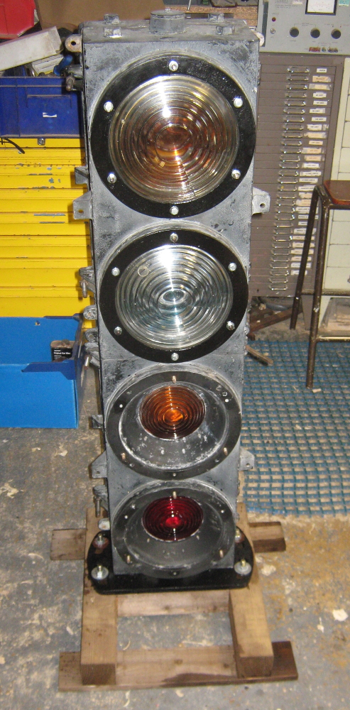 Westinghouse colour light signal
